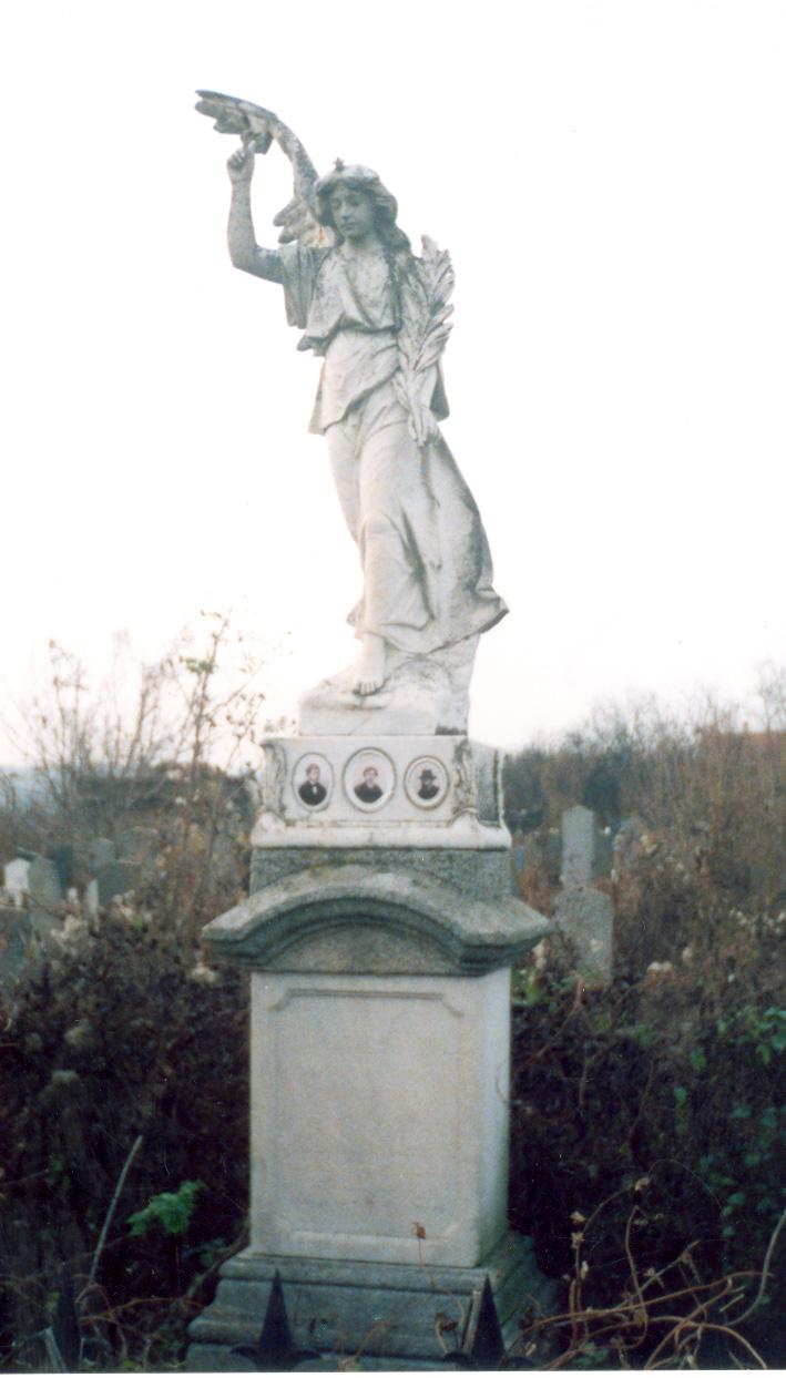 Grobnica dece Ignjata Bajlonija